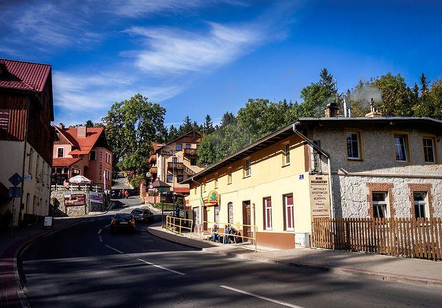 Piekielna Dolina i nordycki kościół. Polacy uwielbiają Karpacz