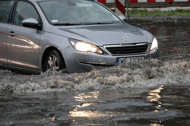Warszawa. Ratusz znalazł powód zalania Wisłostrady