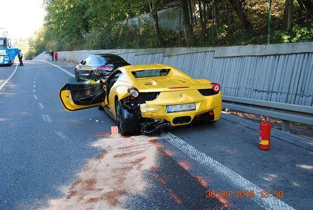 Miejscowa policja nie oddała samochodów polskich kierowców, którzy uczestniczyli w tragicznym wypadku