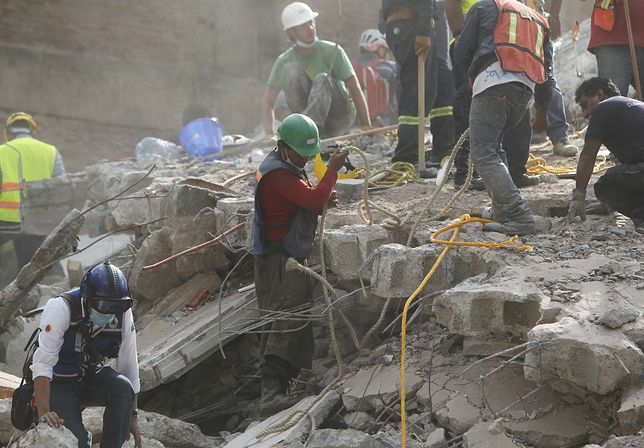 Trzęsienie ziemi w Meksyku. Nie żyje 248 osób