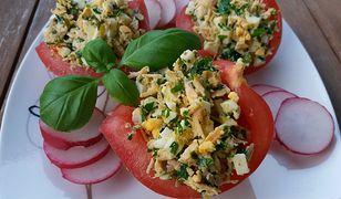 Pomidory faszerowane pastą jajeczną. Pyszne i proste