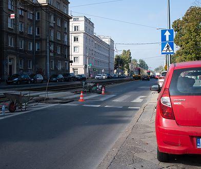 Warszawa. Bezpieczniejsi piesi na Obozowej