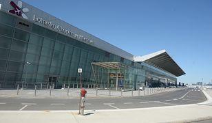 Koronawirus w Polsce. Incydent na lotnisku w Warszawie. Interweniowały służby