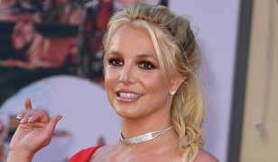 Britney Spears z ortezą na nodze. Paparazzi zrobili zdjęcia