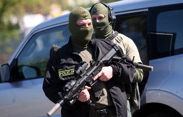 Polskie CBŚP i niemiecka policja zlikwidowali szajkę wysadzającą bankomaty