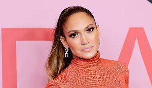 Jennifer Lopez wygląda świetnie, nawet w pomaranczowym