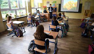 Powrót do szkoły. Uczniowie zmęczeni zdalną edukacją. Rodzice: Dzieci do szkół nie puścimy