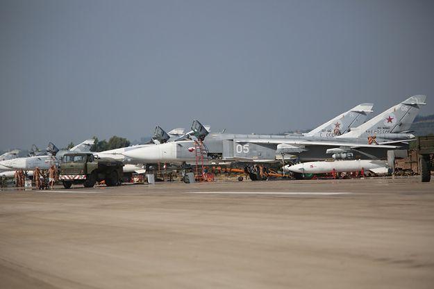 Reżimowi Asada pomagają już rosyjskie siły. Na zdjęciu: Su-24 w bazie w Syrii