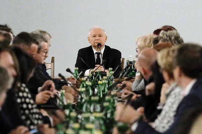 Jarosław Kaczyński mobilizował posłów do większej aktywności w kampanii