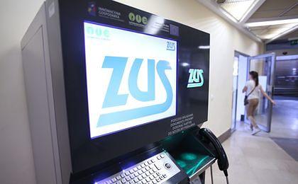 Zarobki lekarzy w ZUS – nawet do 16 000 zł bez dodatków