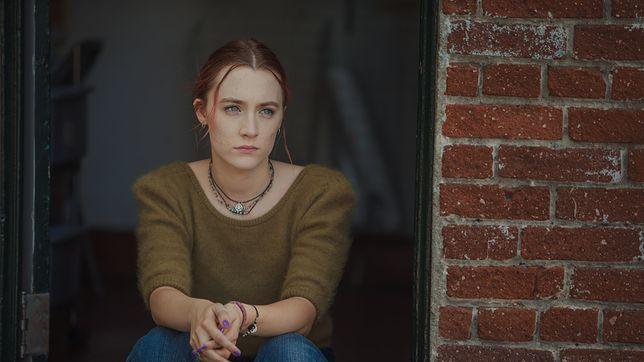 Rewelacyjna Saoirse Ronan w roli dorastającej dziewczyny z katolickiego liceum