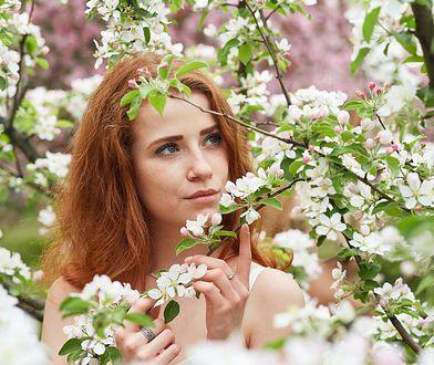 Olejowanie twarzy. Jak działa i jakie oleje wybrać? Skorzystaj z pomocnych kosmetyków