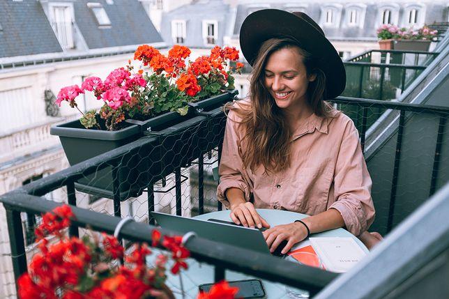 Luźny, miejski styl. 5 powodów, dla których warto pokochać koszule oversize