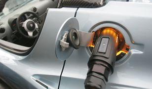 Rząd stawia na samochody elektryczne
