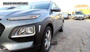 55 nowych radiowozów dolnośląskiej policji. Uwagę zwracają nieoznakowane vw i hyundaie