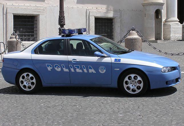 Polka brutalnie pobita młotkiem na ulicy we Włoszech. Podbiegł i uderzył
