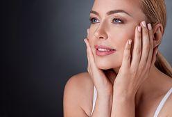Czym pielęgnować twarz? Oto rady, jak zapobiec szkodliwym czynnikom