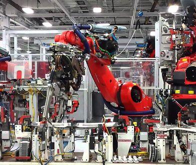 Roboty nie zawsze mają przewagę. Na razie