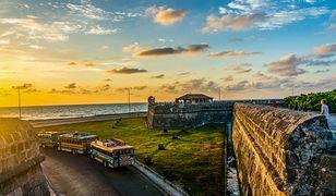 Widok na Morze Karaibskie z Malecan – promenady w Santo Domingo na Dominikanie