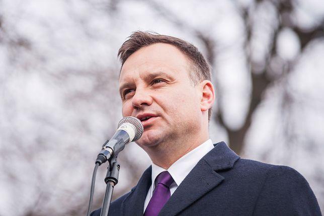 Andrzej Duda obecny jest na WhatsAppie