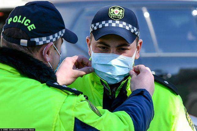 Koronawirus z Chin. Polska policja wzorem innych formacji zachodnich może zacząć używać maseczek ochronnych