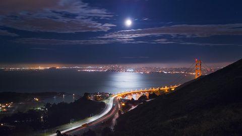 Nocne zdjęcia można robić smartfonem, ale nie jest to łatwe