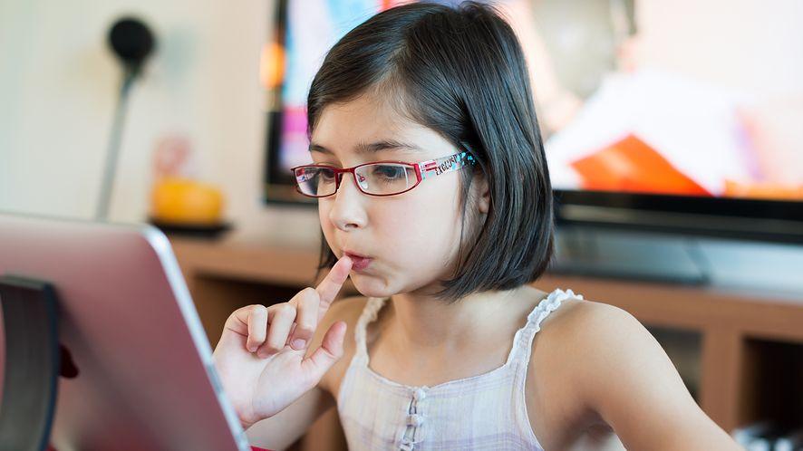 W wyprawce szkolnej coraz częściej znajduje się smartfon, tablet lub czytnik e-booków