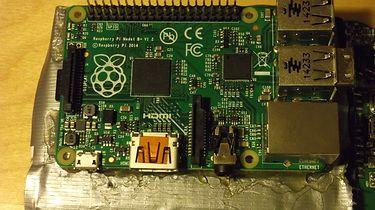 Serwer Samba na Raspberry Pi B+, czyli jak tego NIE robić - Idealnie przymocowane.. prawda?