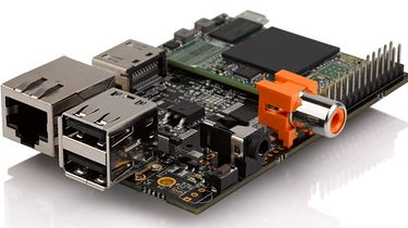 Nie tylko Raspberry Pi, czyli o klonach słów kilka - HummingBoard w wersji Bazowej | Źródło: hackerboards.com