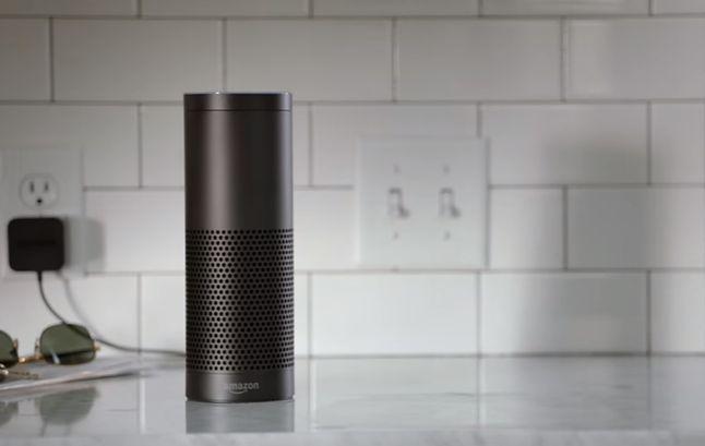 Głośnik Amazon Echo. Facebook także chce mieć podobne urządzenie.