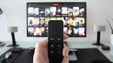 Telewizja 20 godzin dziennie, 7 dni w tygodniu – w takich warunkach matryca OLED nie ma szans