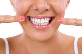 Chcesz mieć lśniące zęby? Unikaj tych produktów