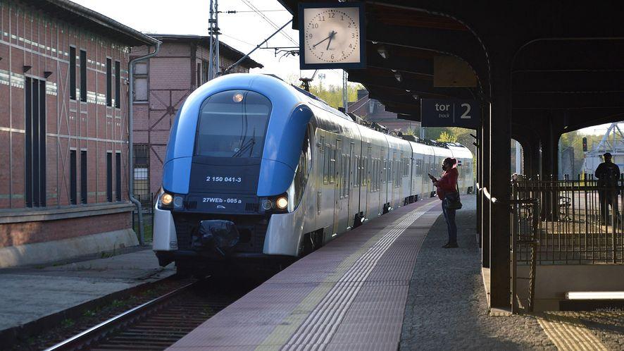 Aplikacja mObywatel obsługuje bilety kolejowe - między innymi PKP Intercity