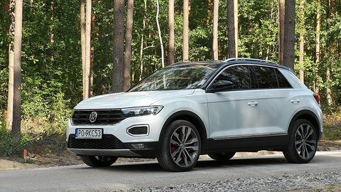 Volkswagen T-Roc: System audio Beats i asystent wyjazdu z miejsca parkingowego