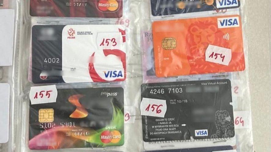 Fałszywe karty i dowody tożsamości