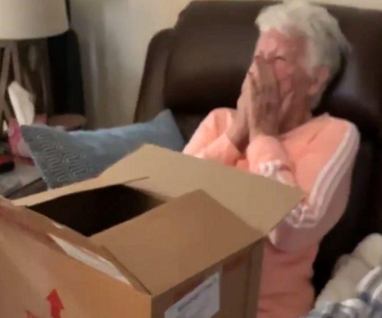 """Reakcja babci na prezent. Wykrztusiła tylko: """"o mój Boże"""""""