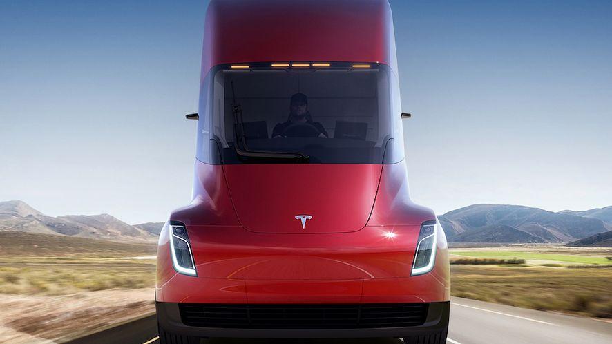 Ciężarówka Tesla Semi o zasięgu 800 km i Roadster szybszy od Bugatti