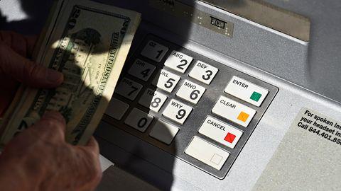 Cyberprzestępcy zaatakowali bank. Uzyskali dostęp do sieci 12 tysięcy komputerów