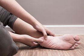 O czym może świadczyć ból w pięcie? (WIDEO)
