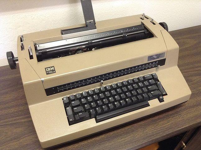 Maszyna do pisania IBM Selectric III (Miss Irina, CC BY-SA 3.0)