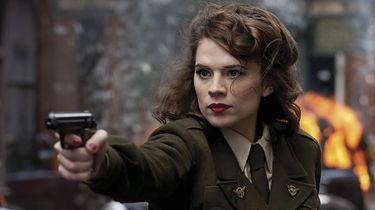 Netflix bierze się za serię Tomb Raider. Oto nowa Lara Croft - Hayley Atwell jako Peggy Carter