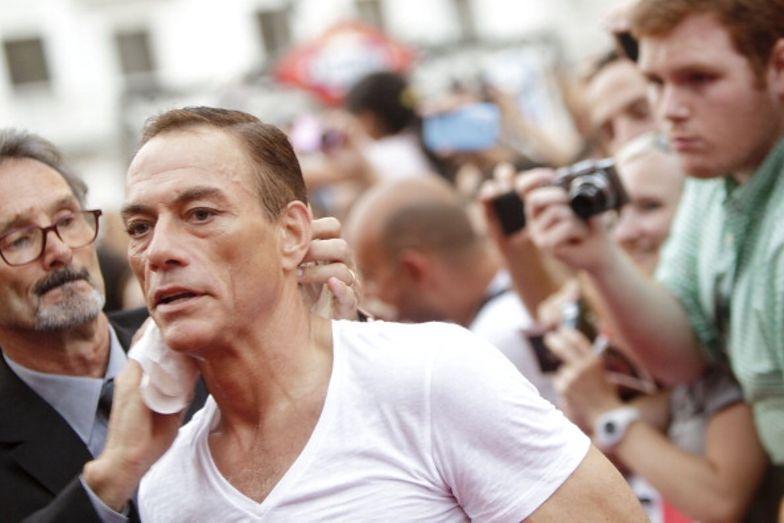 Napad w Paryżu. Van Damme skutecznie odwrócił uwagę