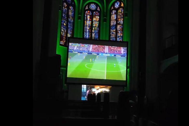Mecze Euro 2020 w... kościele. Komentatorów zastąpił organista