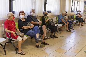 """Izrael szczepi trzecią dawką i szykuje się do czwartej. """"Być może trzeba będzie się szczepić co roku jak na grypę"""""""