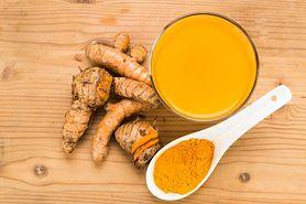 Żółty shot - składniki, właściwości kurkumy, właściwości octu jabłkowego i oleju lnianego