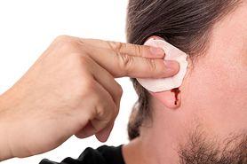 Krew z ucha – przyczyny, diagnozowanie i leczenie