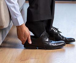 Zaprosiłeś do domu gości, a oni nie zdjęli butów. Jak się zachować?