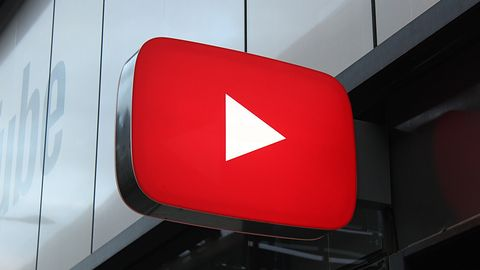 YouTube w przeglądarce obsługuje komendy głosowe – także po polsku