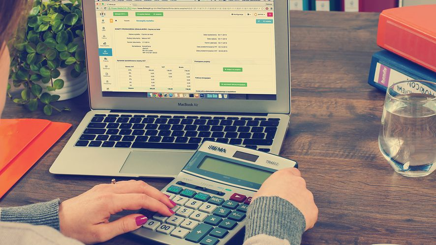 Kalkulator dla filantropów pomoże obliczyć korzystną darowiznę, fot. Pixabay