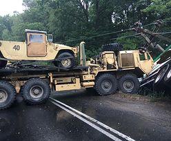 Niebezpieczny wypadek koło Drawska. Pojazd amerykańskiego wojska zderzył się z tirem